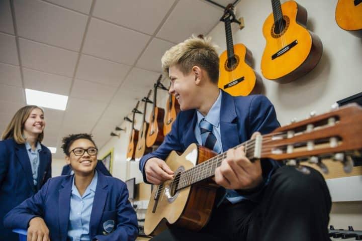 Moosiko Online Guitar Lessons for Homeschool